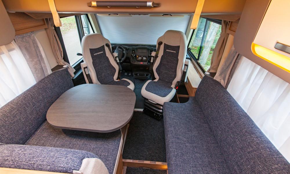 Weinsberg CaraCore 650MF -asuntoauton oleskeluryhmä.